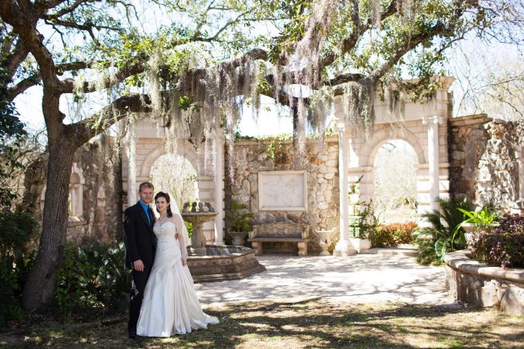 Dunvegan Keep Austin Texas Destination wedding photo - Julie Gee Photography 27