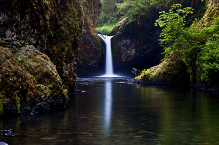 Punchbowl Falls Lower View Point